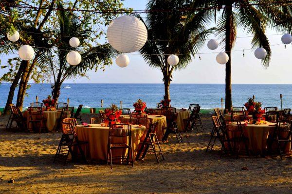 Costa Rica destination wedding ceremony and ocean view
